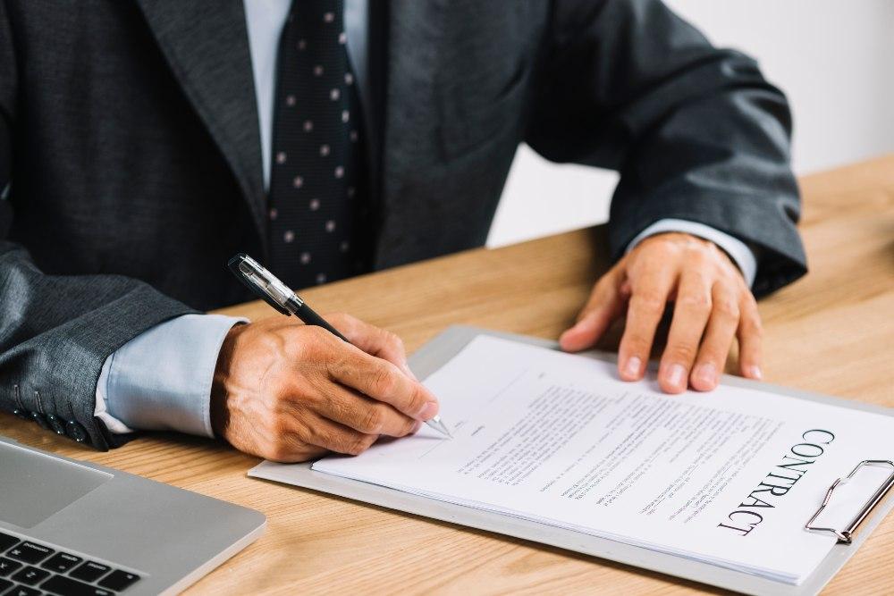 ¿Cómo reclamar la cláusula suelo de empresas?